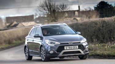 Hyundai i20 Active 2016 - front cornering