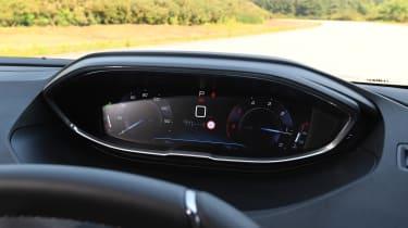 Peugeot 5008 - speedo