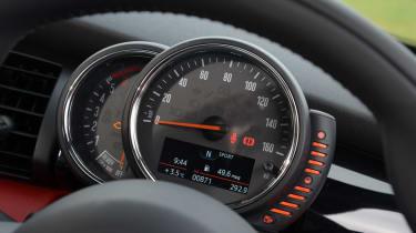 MINI Cooper D 2014 dash