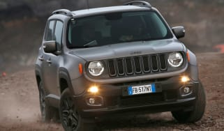 Jeep Renegade Night Eagle front