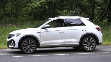 Volkswagen T-Roc - spyshot 11