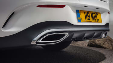 Mercedes CLA 250 AMG Line - exhaust
