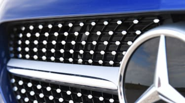 Mercedes C-Class - grille
