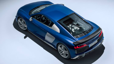 Audi R8 - studio above