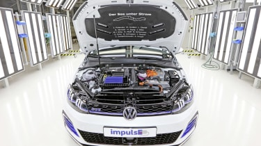 Volkswagen Golf GTE impulse engine