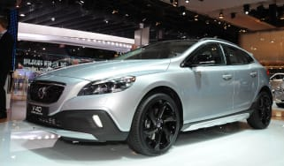 Volvo V40 T5 Cross Country front tracking