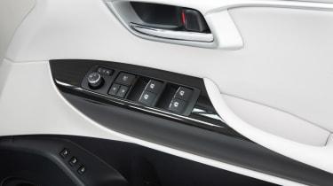 Toyota Mirai - door handle