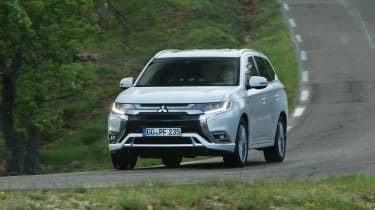Mitsubishi Outlander PHEV - front action