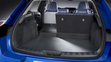 Lexus UX 300e - boot