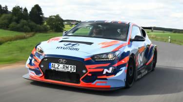 Hyundai RM19 - front tracking