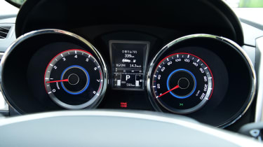 "Economy is rated at 39.<span face=""Times New Roman"" style=""font-family: 'Times New Roman';""><span>2mpg with CO2 emissions of 167g/km.</span></span><!--EndFragment-->"