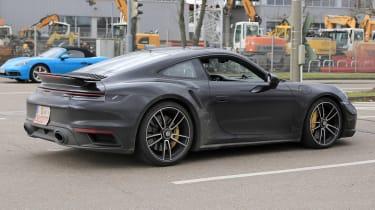 Porsche 911 Turbo S - spyshot 12