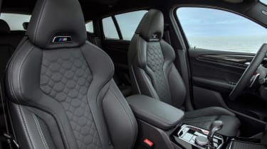 BMW X4 M - front seats