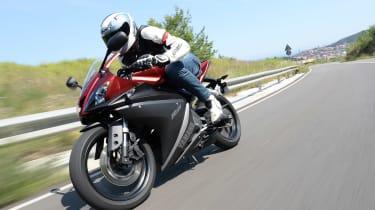 Yamaha YZF-R125 tracking