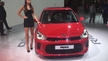 New Kia Rio revealed in Paris 2016