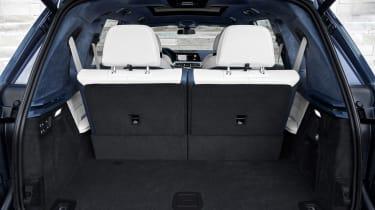 BMW X7 spy shot - boot