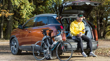 3008 minutes in a Peugeot 3008 - Rich cycle