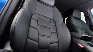 Nissan Qashqai - front seats