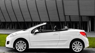 Peugeot 207CC convertible profile