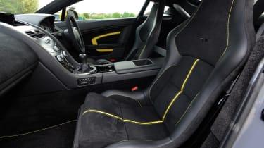 Aston Martin V12 Vantage S - front seats