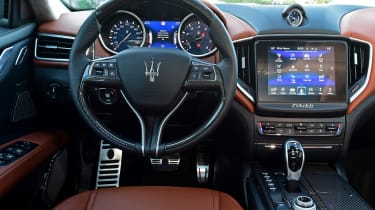 Maserati Ghibli facelift - dash