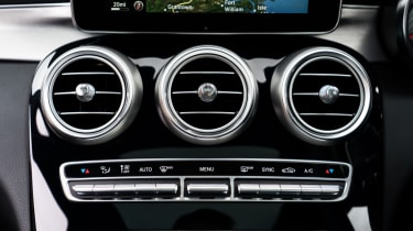Mercedes C63 AMG saloon - controls
