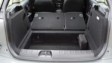 MINI Cooper Black Clubman - boot seats down