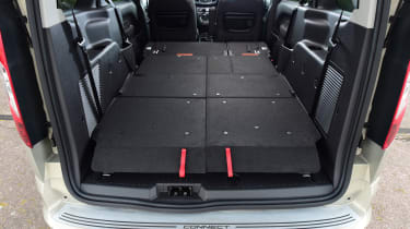 Ford Tourneo Connect 2016 - boot seats flat