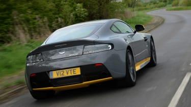 Aston Martin V12 Vantage S - rear