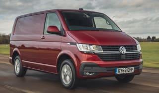 Volkswagen Transporter 6.1 - front tracking