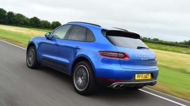 Porsche Macan - rear driving