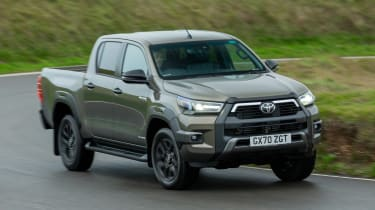Toyota Hilux - front action
