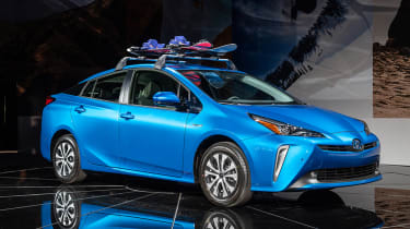 Toyota Prius - LA Motor Show - front 3/4
