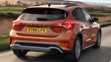 Ford Focus Active - rear tracking