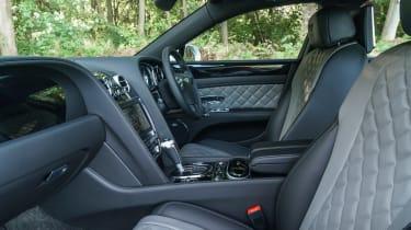 Bentley Flying Spur V8 S - front seats