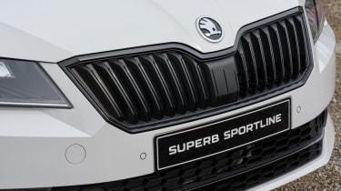 Skoda Superb Sportline - front detail