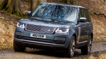 Range Rover PHEV - front off-road