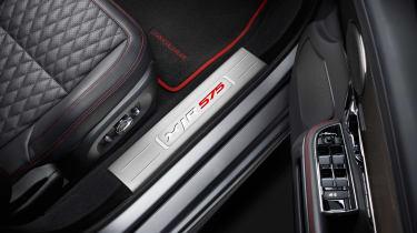 2017 Jaguar XJ facelift - floor