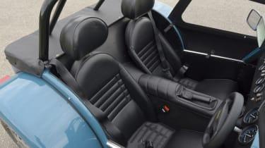 Caterham Seven 160 front seats