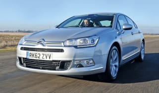 Citroen C5 fornt tracking