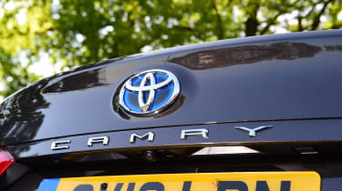 Toyota Camry - rear badge