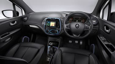 Renault Captur Iconic Nav interior