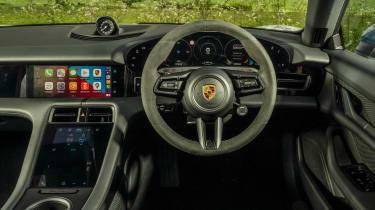 Porsche Taycan RWD - dash