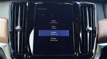 Volvo V90 T8 - Hybrid mode
