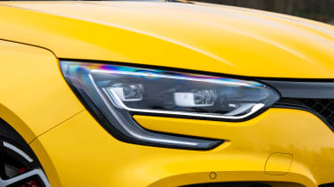 Renault Megane R.S. Trophy - front lights
