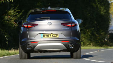 Alfa Romeo Stelvio - rear action