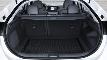 Hyundai IONIQ hybrid 2016 - boot