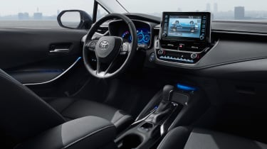 Toyota Corolla Saloon - dash