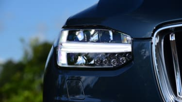 Volvo XC90 -  headlight