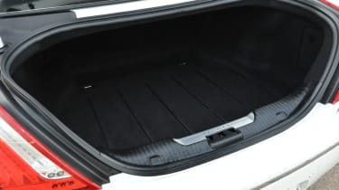 Jaguar XJ L boot